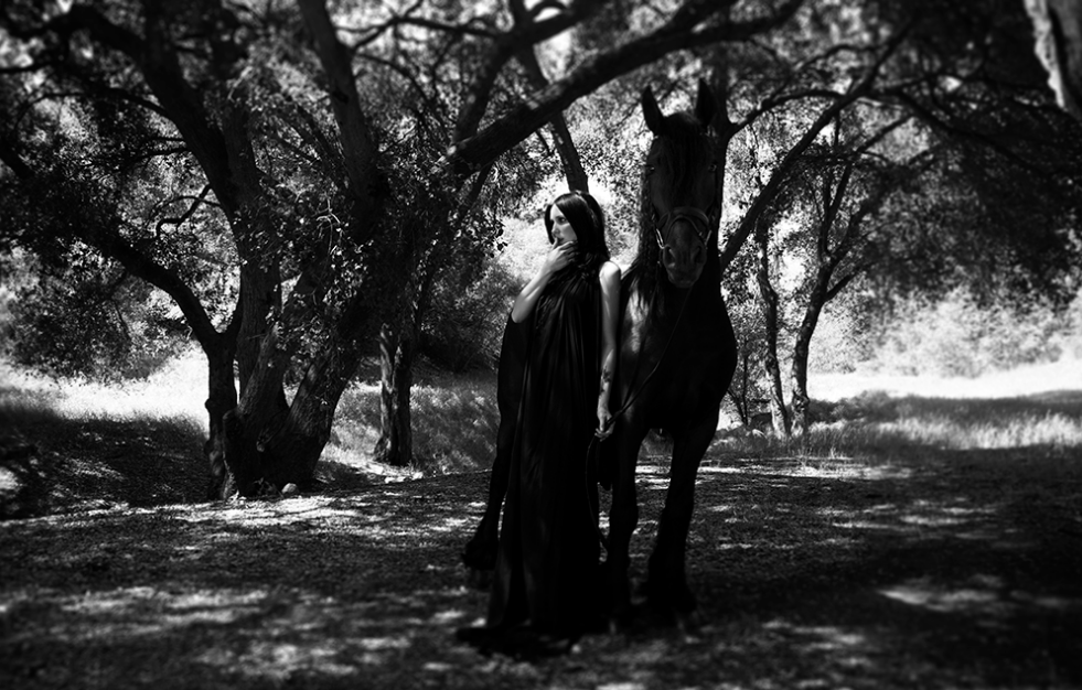 chelsea-wolfe_horse